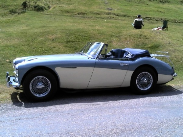 The beautiful lines of the Big Healey - Austin Healey 3000
